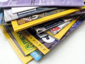 cara menganalisa majalah